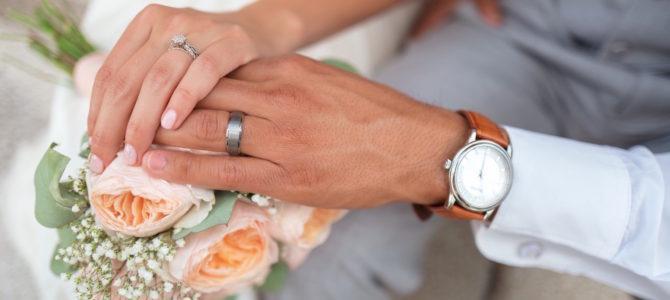 Er bryllupsbudgettet for stramt til vielsesringe? Tjek dine muligheder her